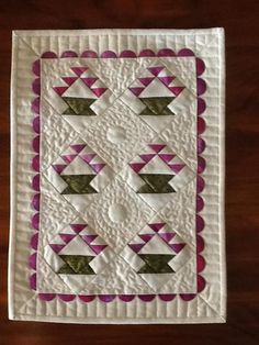 Basket quilt patterns are perfect for everyday quilting, and also make for fun seasonal quilts. Here's an inspiring roundup of basket quilt block variations.