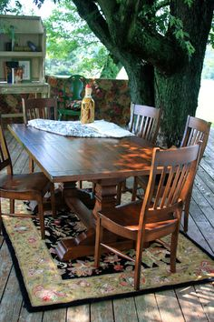 Early American Style And Fine Amish Craftsmanship Combine Beautifully In  The Bolingbroke Dining Set Featuring Breadboard Ends And A Hand Rubbed  Finish.