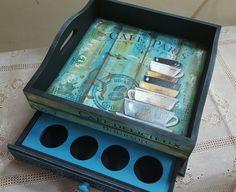 Bandeja con caja para cápsulas de café