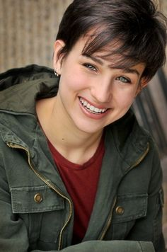 Bex Taylor-Klaus as Sin Bex Taylor Klaus, Audrey Jensen, Celebrity Style Inspiration, Future Wife, Attractive People, Arya Stark, Women In History, Her Smile, Woman Crush