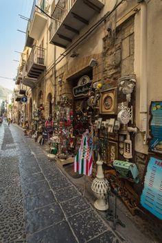 v uličkách v Cefalù