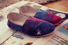 DIY Galaxy shoes from: http://pientapitsista.blogspot.fi/