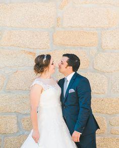 Hoje publicámos no Blog o casamento da Liliana e do João. Link no perfil  We just published this wonderful wedding. Link in bio.