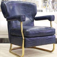 Poltrona in tessuto blu elettrico, design contemporaneo, linea ...