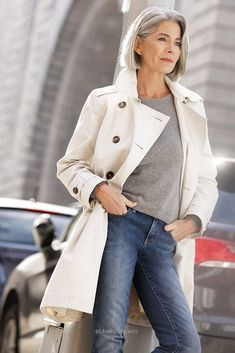 Incredible 6 Fabulous Outfits for Women Over 40  – They always say that being a woman is never easy, and probably this is true because throughout your whole life, you are always ..