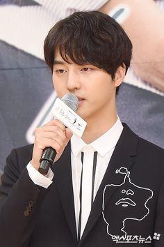 Seo Hyun Jin, Kdrama Actors, China, Korean Actors, Seventeen, Asian Boys, Celebrities, Babies, Nice