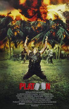 Platoon (1986) de Oliver Stone (http://ultracuerpos.com/fichas/platoon-1986-oliver-stone/) #Película #OliverStone #Poster