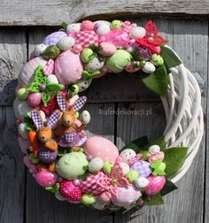 Easter topiary and decorative compositions Easter Crafts For Kids, Thanksgiving Crafts, Holiday Crafts, Easter Wreaths, Christmas Wreaths, Diy Easter Decorations, Hoppy Easter, Easter Holidays, Flower Crafts