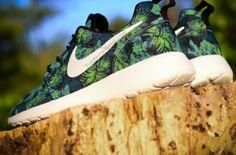 """Nike Roshe Run """"Poison Green Palm Trees"""""""
