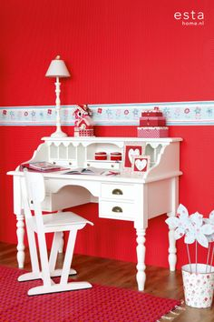 Love the desk Girl Room, Girls Bedroom, Shabby, Interior Wallpaper, Living Spaces, Living Room, Fire And Ice, Office Desk, Red And White