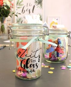 Last minute gift. Idea for coupon. Time in the glass. Voucher in the glass. Kissman, time for two. Pack small presents nicely. DIY Gift by juliaromy Diy Gifts Last Minute, Explosion Box, Diy Paper, Diy Art, Coupons, Mason Jars, Happy Birthday, Presents, Glass