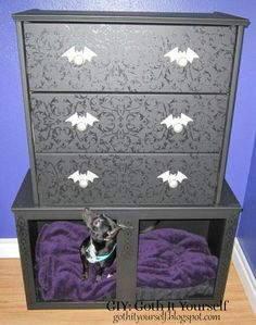 Fabulously goth dog bed by Goth it yourself. !! Got to get me one of these!!