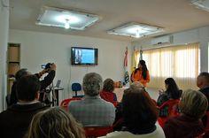 Prefeito e autoridades discutem projetos no dia das cidades em São Tomé