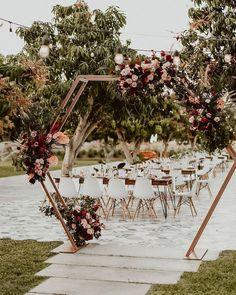 Wedding boho reception ceremony backdrop New Ideas Wedding Ceremony Ideas, Wedding Trends, Boho Wedding, Wedding Flowers, Wedding Venues, Outdoor Ceremony, Wedding Ceremonies, Wedding Table, Wedding Aisles