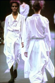 Comme des Garçons Fall 1992 Ready-to-Wear Fashion Show - Nadège du Bospertus