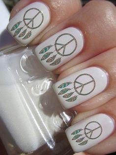 Peace Symbol Nailpolish