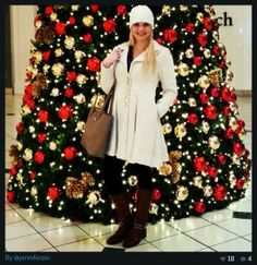Posing by the tree while shopping at #TheMallOfLouisiana #festive #seasonaldecor #commercialdecor