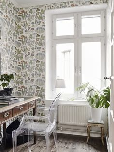 Inside a Charming Swedish Flat With Lovely Decorative Details | DomaineHome.com
