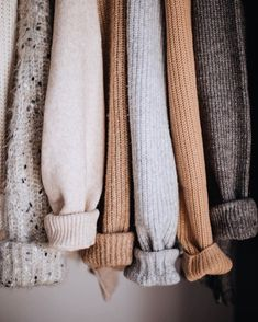 on Wrap me in sweaters . Look Fashion, Winter Fashion, Fashion Outfits, 70s Fashion, Modest Fashion, Fashion Tips, Winter Outfits, Casual Outfits, Cute Outfits