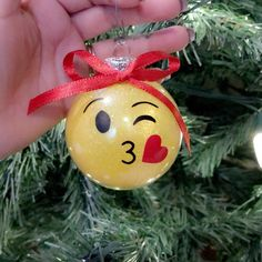 Disney Mickey /& Minnie Mouse Christmas Baubles Set of 4 Christmas Tree Decoration Diameter 8 cm by Mickey /& Minnie Mouse