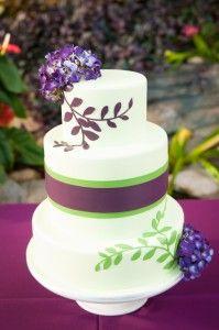 Intricate Icings Invitation inspired Modern Wedding cake   karina heneghan Photography