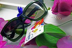 La nuova collezione di #occhiali da sole #Valentino realizzata per la stagione primavera/estate 2015 è molto rock, decisa, dalla montatura squadrata e dallo stile classico e sobrio. Un vero e proprio tocco di classe ed eleganza #PE15 #SS15 #sunglasses #eyewear #style #moda