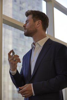 Handsome Men Quotes, Handsome Arab Men, Boss Bottled, Strong Woman Tattoos, Hemsworth Brothers, Chris Hemsworth Thor, Australian Actors, Man Thing Marvel, Japanese Men