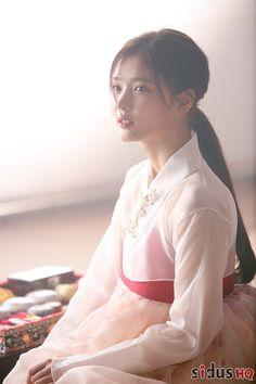 Kim Yoo Jung// Hong Ra Oh in Moonlight Drawn by Cloud Korean Traditional Clothes, Traditional Outfits, Korean Beauty, Asian Beauty, Kim Yu-jeong, Korean Hanbok, Korean Celebrities, Korean Actresses, Korean Actors
