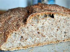 Brødet holder på saftigheten i flere dager Banana Bread, Mad, Desserts, Tailgate Desserts, Deserts, Dessert, Food Deserts