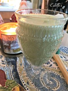 Estelle's...green tea smoothie Matcha Green Tea Smoothie, Tea Smoothies, England, Punch Bowls, Southern Recipes, Decorating, Beverages, Decoration, Drinks