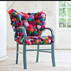 Pom Pom Chair DIY Decor for Teenage Girl's Room All you need is a lot of pom-poms to create this whimsical chair. Perk-up your old chair by spray painting the handles and legs, and by covering the seat and rest using the pom-pom. Funky Furniture, Unique Furniture, Furniture Design, Handmade Furniture, Furniture Projects, Contemporary Furniture, Contemporary Design, Diy Hacks, New Swedish Design