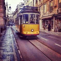 Portogallo on the road | via One Life in Travel | 28/03/2014 Un viaggio di 6 giorni in Portogallo, da Porto a Lisbona, alla scoperta di un paese senza tempo. Photo: Lisboa #Portugal