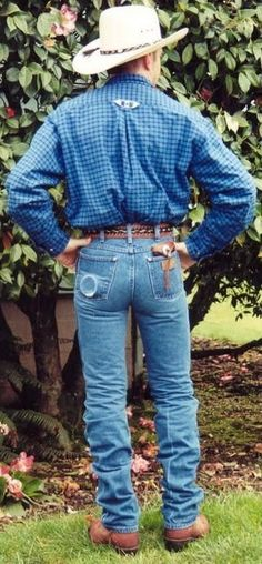 Men In Tight Pants, Hot Cowboys, Cowboys Watch, Hot Men Bodies, Hot Country Boys, Wrangler Jeans, Hot Guys, Mom Jeans, Tights