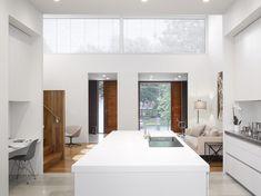 Aluminium louvres screen facade of Toronto home by Paul Raff Interior Exterior, Modern Interior, Interior Architecture, Interior Design, Casa Top, Toronto Houses, Master Suite, Big Design, Modern Design