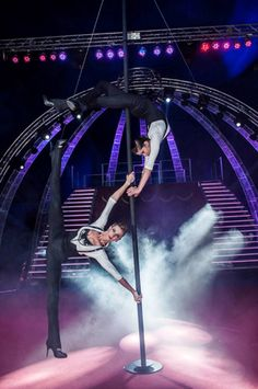 Two stunning acrobats on a Chinese pole from Ukraine Ref: Price range: 3000 to 5000 euros (on top of logistic costs) Pole Dancing Quotes, Pole Dancing Fitness, Pole Fitness, Aerial Dance, Aerial Hoop, Aerial Silks, Monte Carlo Monaco, Yoga Dance, Human Art
