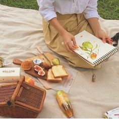 Image about art in soft/beige aesthetic by aliaxduzit Beige Aesthetic, Summer Aesthetic, Aesthetic Food, Paris Film, Picnic Date, Photo Images, Perfect Day, Modern Disney, Oui Oui