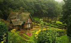 bonitavista:  Princes Street Garden, Edinburgh, Scotland photo via casey