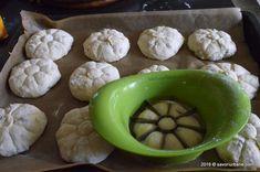 Chifle pufoase de casa cu cartofi   Savori Urbane Dessert Recipes, Desserts, Dairy, Pudding, Cheese, Cookies, Food, Tailgate Desserts, Crack Crackers