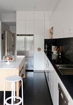 Black And White Kitchens: A Timeless Trend That Serves Every Style!