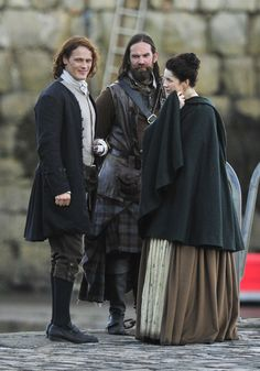 Jamie & Claire from the Outlander series Outlander Season 2, Outlander Quotes, Outlander 3, Outlander Casting, Sam Heughan Outlander, Claire Fraser, Jamie Fraser, Outlander Book Series, Outlander Tv Series