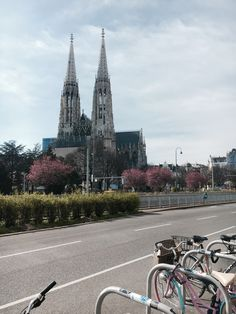 Spring is in the city. Votiv Church in Vienna, one of the fav spots of tourists and students who spend their breaks laying in the park. Vienna, Austria, Barcelona Cathedral, Students, Park, City, Spring, Parks, Cities
