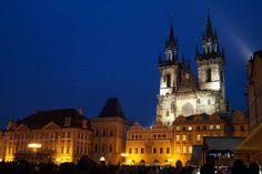 Prag bei Nacht Prague, Cathedral, Mansions, House Styles, Building, Travel, Prague Tourist Attractions, Night, Destinations