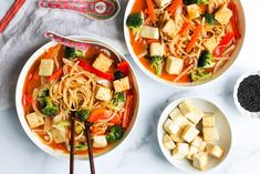 This Instant Pot healthy vegetarian/vegan coconut curry noodle soup uses most of the pantry ingredients and is bursting with flavor. Ready in 30 minutes! Instant Pot Pressure Cooker, Pressure Cooker Recipes, Asian Recipes, Healthy Recipes, Ethnic Recipes, Coconut Curry Soup, Curry Noodles, Vegetable Curry, Meals