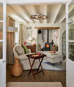 Traditional And Cozy Living Room Inspiration Ideas Decoration Cottage Living Rooms, Cottage Interiors, Home And Living, Style Cottage, Country Style Homes, French Cottage, Cottage Art, Shabby Chic Homes, Shabby Chic Decor