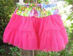 A tutu pettiskirt tutorial.  I like these types of tutu's a lot more then the one that you tie.