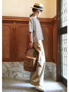 A loose striped tee, loose wide leg khaki Japan Fashion, Look Fashion, Korean Fashion, Spring Fashion, Girl Fashion, Womens Fashion, Mode Outfits, Chic Outfits, Fashion Outfits