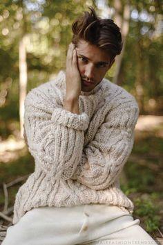 Male Fashion Trends: Ben Bowers se fusiona con el otoño para Essential Homme Magazine