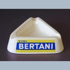 Asbak wit porcelein Vini Bertani Italiaans jaren 60
