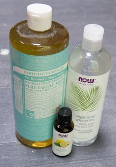 DIY Stain Remover Spray cup water cup unscented liquid castile soap (we use Dr. Bronner's Baby Soap for almost everything in our house) cup liquid vegetable glycerin 10 drops lemon essential oil Glass spray bottle (this makes enough to fill up Garden Care, House Cleaning Tips, Cleaning Hacks, Cleaning Checklist, Cleaning Recipes, Natural Stain Remover, Laundry Stain Remover, Grease Stains, Remove Stains