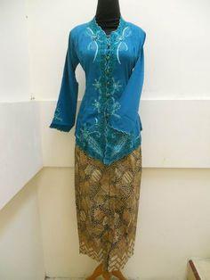 Kebaya Modern Encim H012 - Order Ruko Butik MY KEBAYA Jl. Pattimura 161 C SOLO Telp. : 0271.7587575 SMS / WA : 085 7252 75755\ PINBB : 22AD73F4 FB : facebook.com/dyahnr